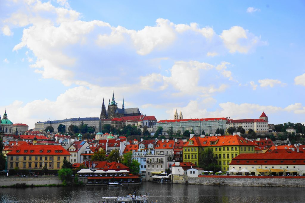 5 Touristy Things to do in Prague ~ Maps & Merlot