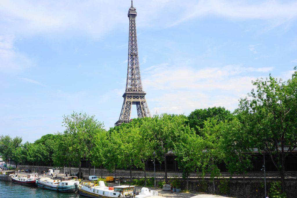 View of the Eiffel Tower from Pont de Bir-Hakeim