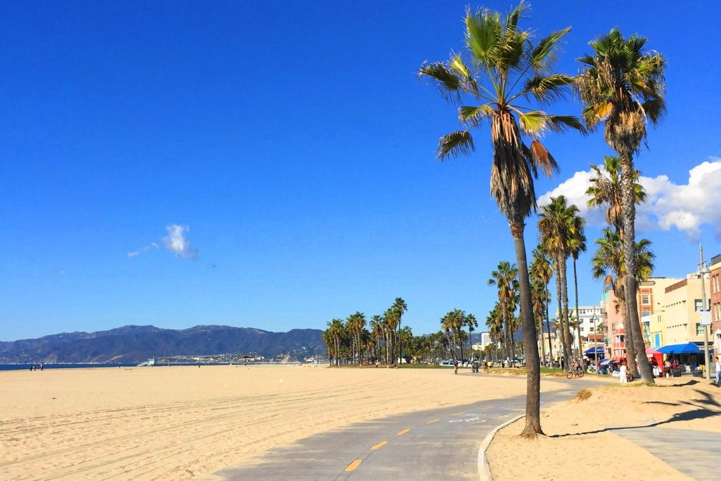 8 day Pacific Coast Highway road trip itinerary- Venice Beach boardwalk